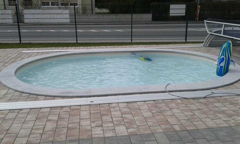 Schwimmbecken Miami von Cranpool in der Filiale Oberalm.