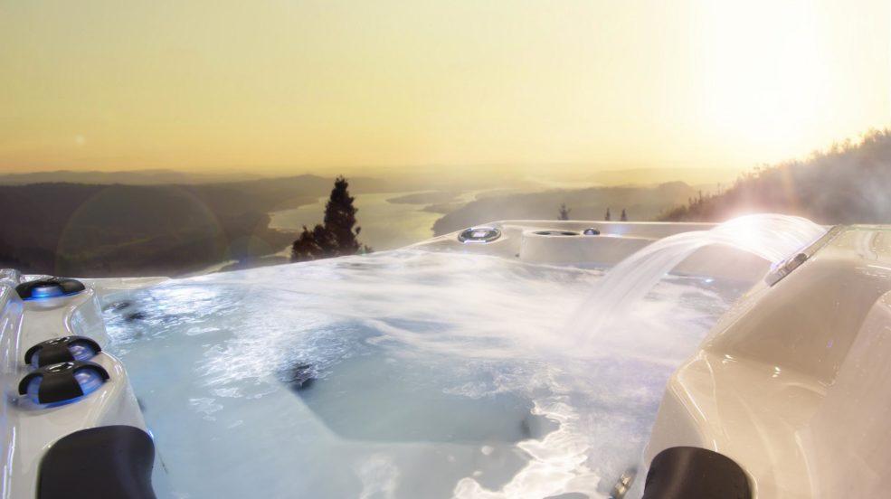 Ein Coast Spas Whirlpool schafft eine Welt neuer Erfahrungen, verbessert die Gesundheit und schafft eine Atmosphäre die dafür bestimmt ist, mit der Familie und Freunden geteilt zu werden.
