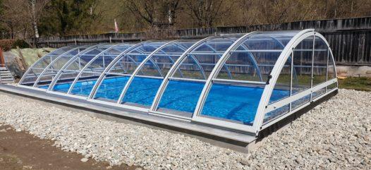 Schwimmbecken Crabnthermo rechteckig von Cranpool und die Pool Überdachung Cabrio Dom
